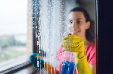 Descubra como limpar janelas